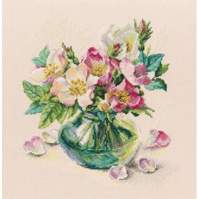Набор для вышивки крестом - RTO - Нежные цветы шиповника M721