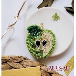 Зеленое яблоко (украшение) - Абрис Арт - набор для вышивки бисером