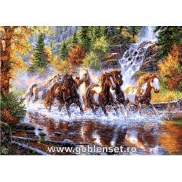 Каскад лошадей - Goblen Set - вышивка гобеленовым швом