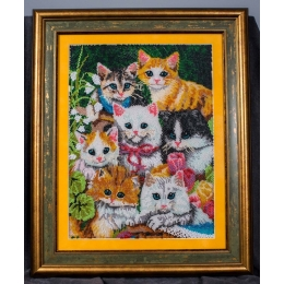 Вышитая картина бисером Семеро котят