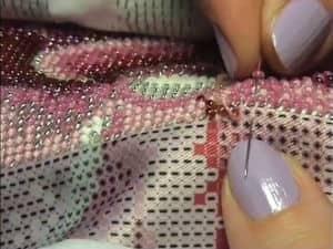 фото: техника вышивки бисером